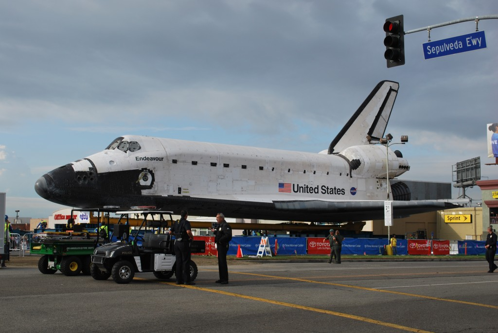 space shuttle endeavour in space - photo #9