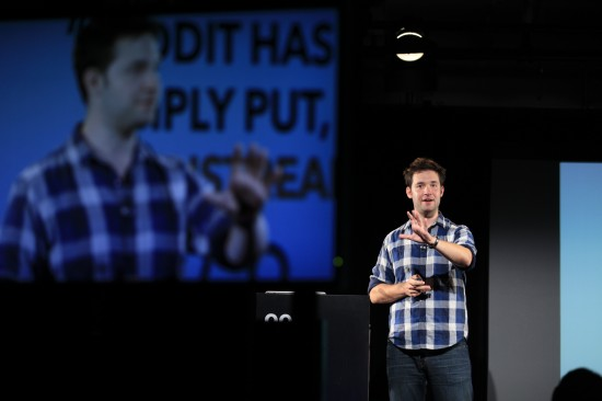 Reddit co-founder Alexis Ohanian speaking at the Pop-Up School. Photo: mackme.com